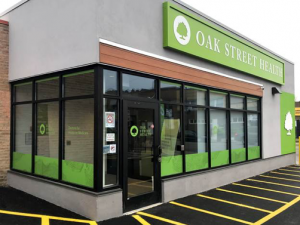 Here are a few completion photos of the Oak Street Health project we recently installed, which involved a lot of rebranding of the clinic spaces. Vinyl was put up in all of the street-facing windows to give the building more of a identifiable brand, with various logos and custom graphics installed throughout the inside to continue the branding and give the drab office a little bit more visual appeal.